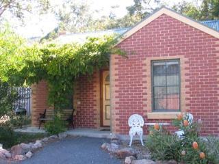 Heatherlie Cottages Halls Gap, cottage number 3 - Halls Gap vacation rentals