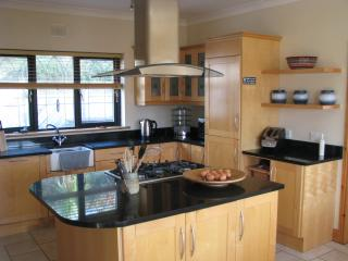 Radharc Na Mara (View of the Sea) Groups of 2 to 10 people welcome - Ring vacation rentals