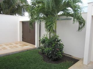 Comfortable House with Deck and Internet Access - Puerto Morelos vacation rentals
