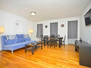 Superior UN 1 Bedroom Apartment (Midtown East) - Long Island City vacation rentals