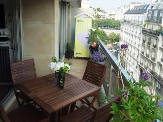 Direct by Owner: Central Marais/ Bastille. Balcony - Paris vacation rentals