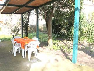 Nice House with Garden and A/C - Meta vacation rentals