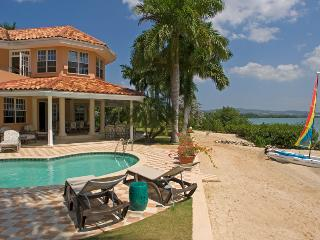 Calypso Shores on the Beach - Whitehouse vacation rentals