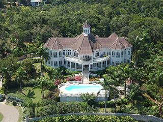 6 Bedroom Villa with Panoramic View of Golf Course & Ocean in Montego Bay - Montego Bay vacation rentals