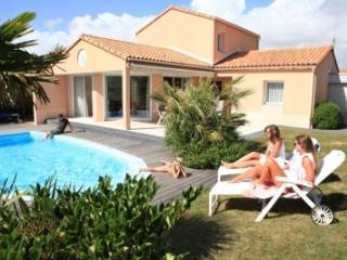 Sophora with private swimming pool - Talmont Saint Hilaire vacation rentals