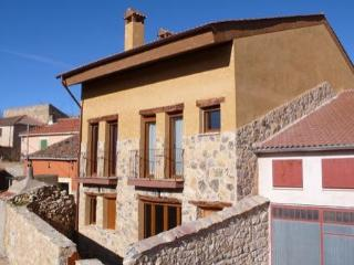 Nice House with Internet Access and Dishwasher - Guijuelo vacation rentals
