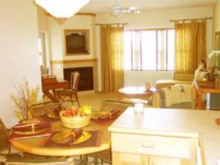 Kitchen and living room - Luxury Villa at the Grand Geneva Resort - Lake Geneva - rentals