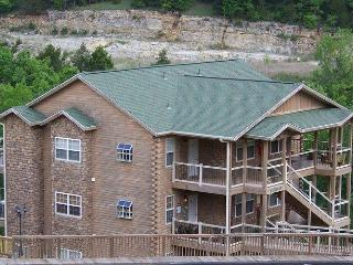 Beautiful Lodge Style! Closest Condo to SDC!!! - Branson vacation rentals