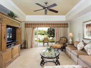 Centre Court Retreat, 3 Bed Luxury Condo Central Location in Reunion - Reunion vacation rentals
