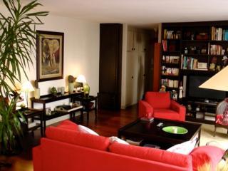 5th Arrondisement 2 Bedroom 2 Bathroom (4250) - Paris vacation rentals