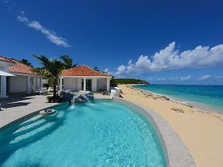 Villa Carisa Barbados Villa 241 A Delightfully Spacious One-bedroom, Two Bathroom Apartment. - Terres Basses vacation rentals