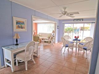 UPLIFTING,SHORT WALK TO BEACH, 5 day MINIMUM STAY - Sanibel Island vacation rentals