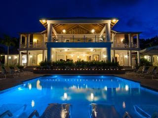 Ideal for Large Groups, Chef & Butler, Heated Infinity Pool & Hot Tub, Games Room, Ocean Views - Montego Bay vacation rentals