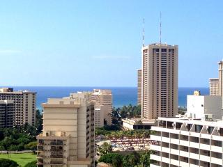 Large luxury ocean view condo by Wyndham resorts! - Honolulu vacation rentals