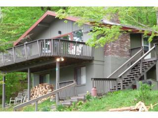 Front of house with large deck and lake views - Renovated - Lake & Mt Views - 1 mile from Base - Hunter - rentals