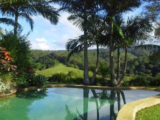 Hillcrest Retreat - Bed & Breakfast - Spa Suite - Murwillumbah vacation rentals