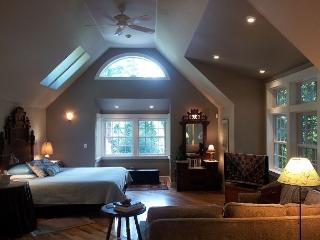 Brand New! Upscale Serene Redwood Retreat in Arcata -Perfect Couple's Retreat - Samoa vacation rentals