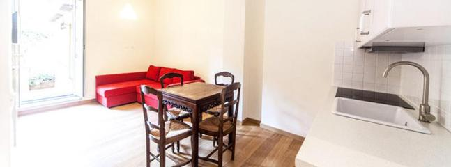 livingroom with window on private terrace - Spanish Steps quiet apartment with large terrace - Rome - rentals