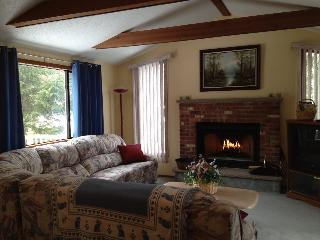 Sunny 3 bedroom House in Tobyhanna with Deck - Tobyhanna vacation rentals