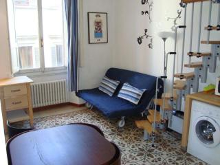 Very Nice Studio Near Duomo cathedral - WiFi - Florence vacation rentals