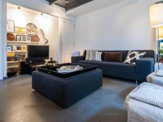 THE Jordaan Apartment - Purmerend vacation rentals
