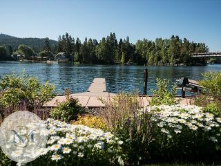 Close in with a Dock! Enjoy Bigfork Night Life, Galleries and Playhouse! - Flathead Lake vacation rentals