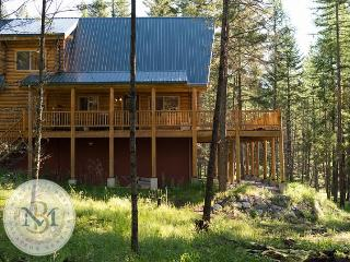 Beautiful Log Cabin on Blacktail Mountain! - Lakeside vacation rentals