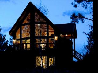 Beautiful Cabin with 100 Feet of Flathead Lake, NEW Theater Room, and WiFi! - Rollins vacation rentals