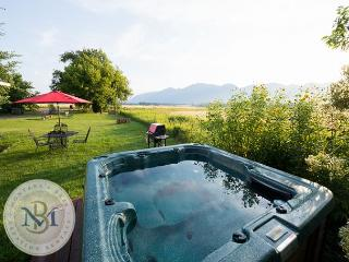 Farm cottage with amazing mountain views! Discount for stays over 7 nights! - Kalispell vacation rentals