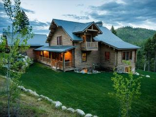 Luxurious Montana Mountain Lodge sleeps up to 14! - Lakeside vacation rentals