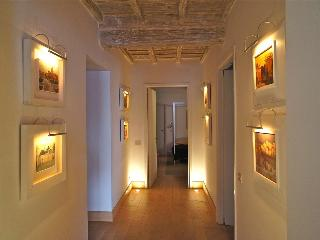 In Rome's Historic Center, Gracious Living with Historic Setting, Art and  Modern Comfort, 2 bedroom - Lazio vacation rentals
