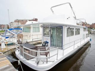 Houseboat Draco: Budget Friendly On Water Rental Near Inner Harbor! - Baltimore vacation rentals