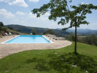 A unique house in Umbria, Casa la Bastia - Umbria vacation rentals