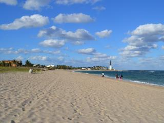 Large House - 6 Br/3 Ba - Heated Pool - 3 Min Walk to Beach - Pompano Beach vacation rentals