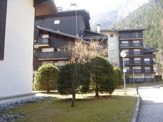 Fantastic central Chamonix Mont Blanc Apartment to rent with Wifi and parking - Chamonix vacation rentals