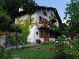 Bed & Breakfast Cartal - Endine Gaiano vacation rentals