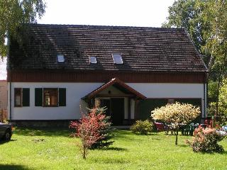 Holiday Home with BBQ and Sqash + Golf area (5 km) - Gryzyna vacation rentals