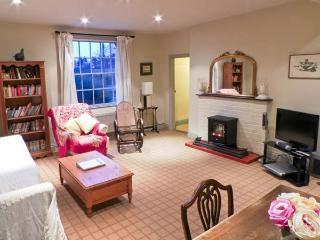THE GARDEN FLAT AT HOLBECKS HOUSE, pet-friendly, large garden, in Hadleigh, Ref 23722 - Hadleigh vacation rentals