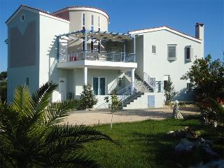 Perfect Villa with Internet Access and A/C - Kiveri vacation rentals