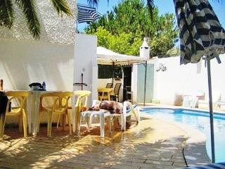 Pretty 3bdr villa w/ biliard table,1Km beach - Quarteira vacation rentals