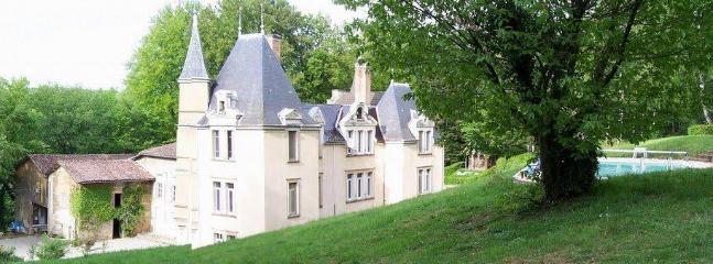 Bright Castle with Internet Access and Garden - Villeneuve-de-Marc vacation rentals