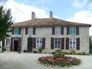 16th century country manor house totally private - Poitou-Charentes vacation rentals