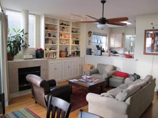 Beautiful Condo with Deck and Internet Access - Cardiff by the Sea vacation rentals