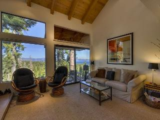 Bright 2 bedroom House in Carnelian Bay with Internet Access - Carnelian Bay vacation rentals