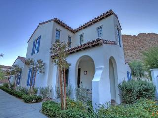 3 Bedroom Townhouse, backs up to the mountain with private garage - La Quinta vacation rentals