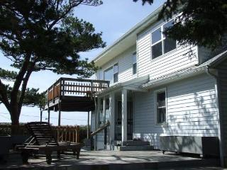 HALLIE HOUSE - Manzanita vacation rentals