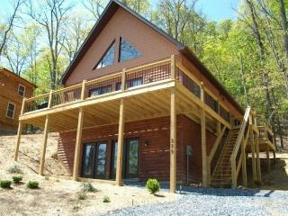 Stay 6 Nights & 7th is FREE!  Golf/Ski/Swim/Spa - Stanardsville vacation rentals