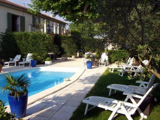 Bright 2 bedroom Les Cabannes Condo with Internet Access - Les Cabannes vacation rentals