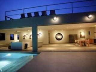 Spectacular design villa in posh Jan Sofat 4-12BDR - Image 1 - Willemstad - rentals