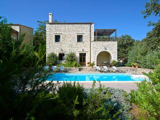 Nice 3 bedroom Gerani Villa with Internet Access - Gerani vacation rentals